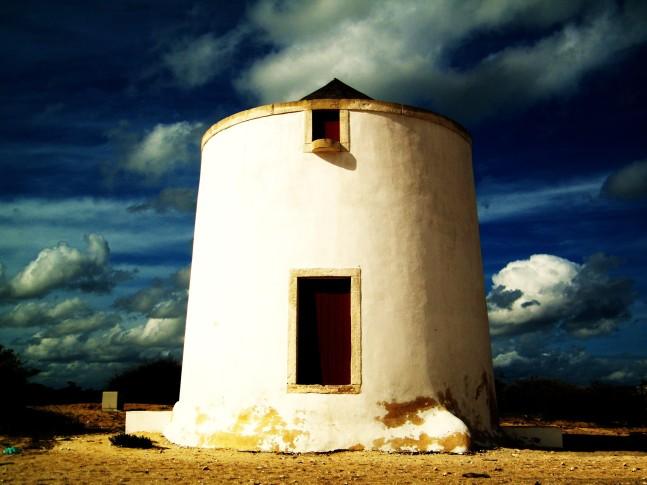 windmill_in_alburrica_barreiro_portugal
