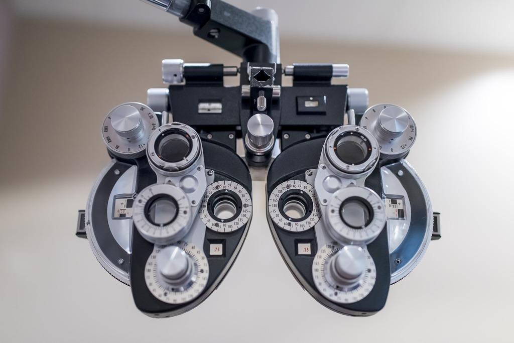 Eye exam. Photo courtesy of Pixabay.com.